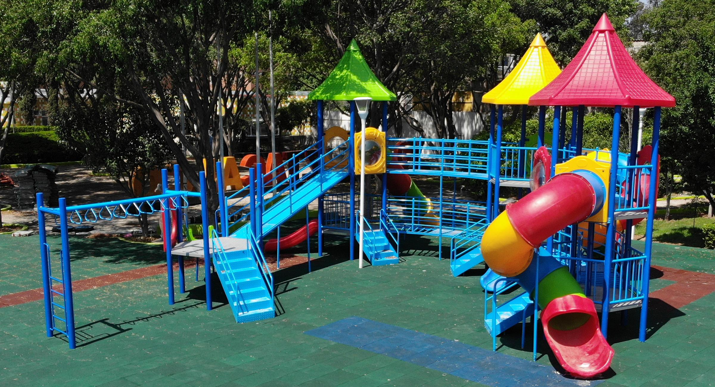 Juegos para Parques, Ejercitadores y Mobiliario Urbano